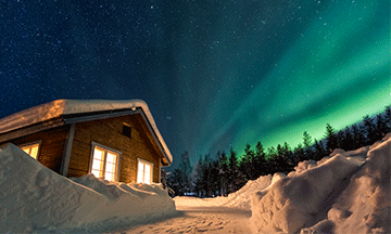 sweden-laplan-norther-lights-by-cabin