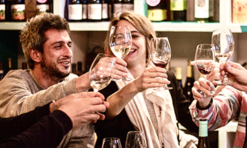 secret-food-tours-toasting-wine-tasting-barcelona-spain